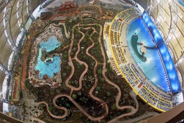 Germany-opened-the-worlds-largest-indoor-tropical-resort-3