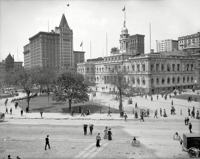 Manhattan circa 1905. City Hall and Park, New York