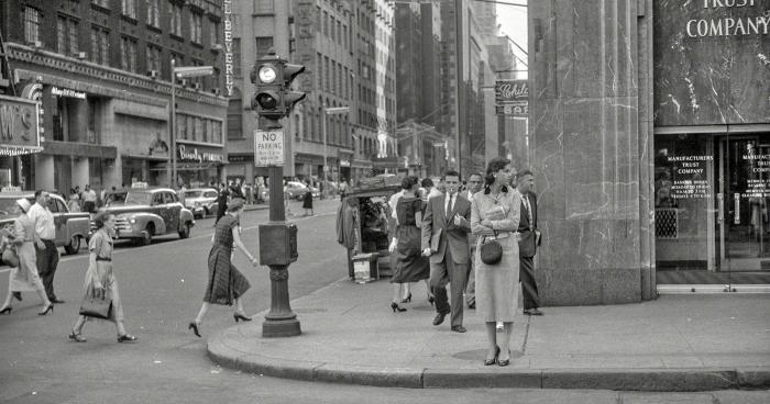Career Girl, 1955