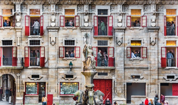 The opening of a photography expo at the Casa do Cabildo exhibition hall in Santiago de Compostela