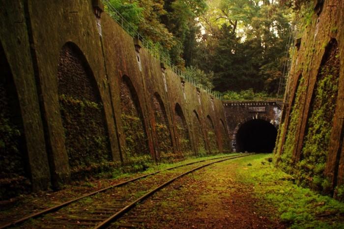 Abandoned Railway in Paris