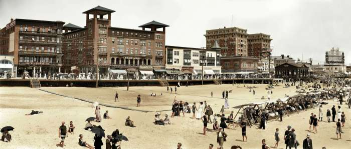 The beach and Boardwalk, Atlantic City 1915