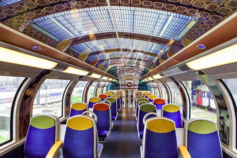 impressionist-art-public-trains-france-designboom-02