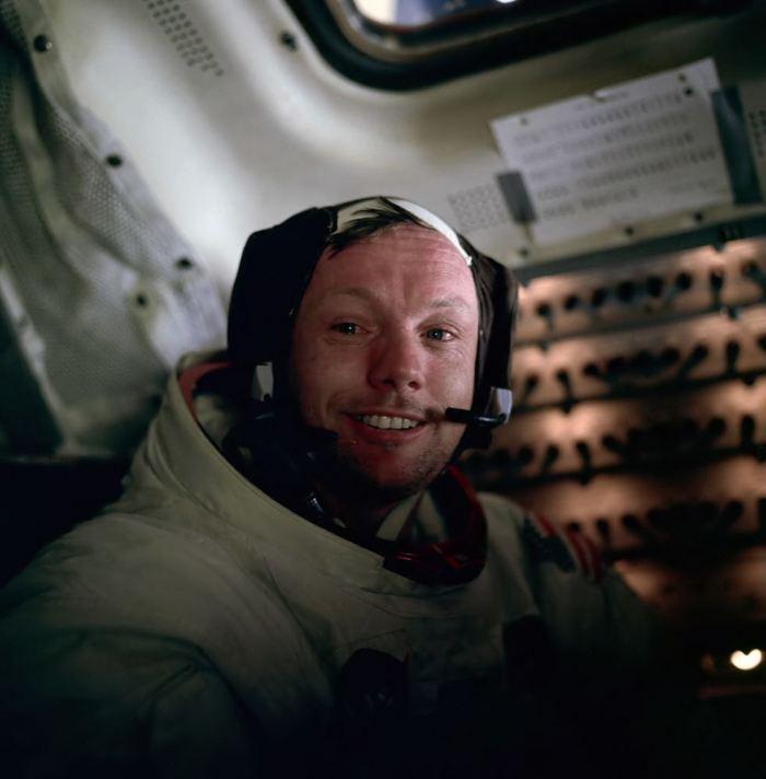 Αποτέλεσμα εικόνας για neil armstrong on the moon